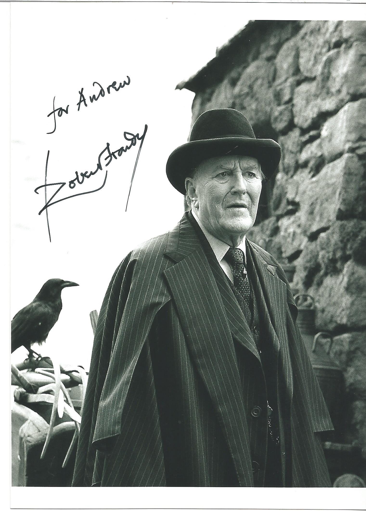 Actor Robert Hardy signed 7x5 colour photo in character as Cornelius Fudge from the Harry Potter