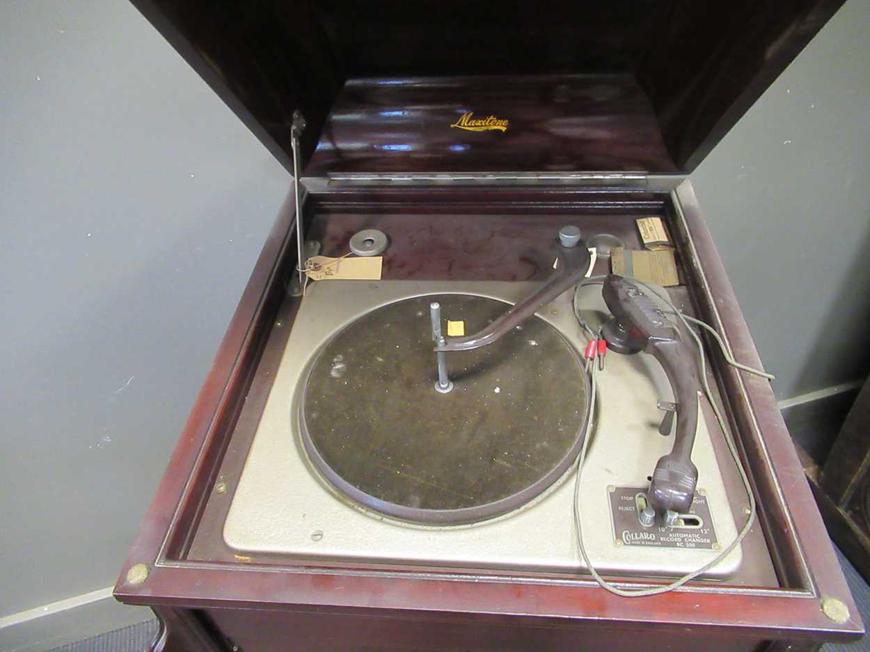 A gramophone cabinet with later electric turntable and an Edwardian cake stand (A/F) - Image 5 of 6