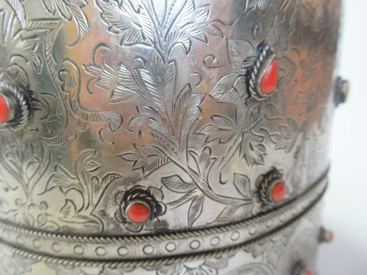 A coral set white metal collar and headdress (2) - Image 3 of 7