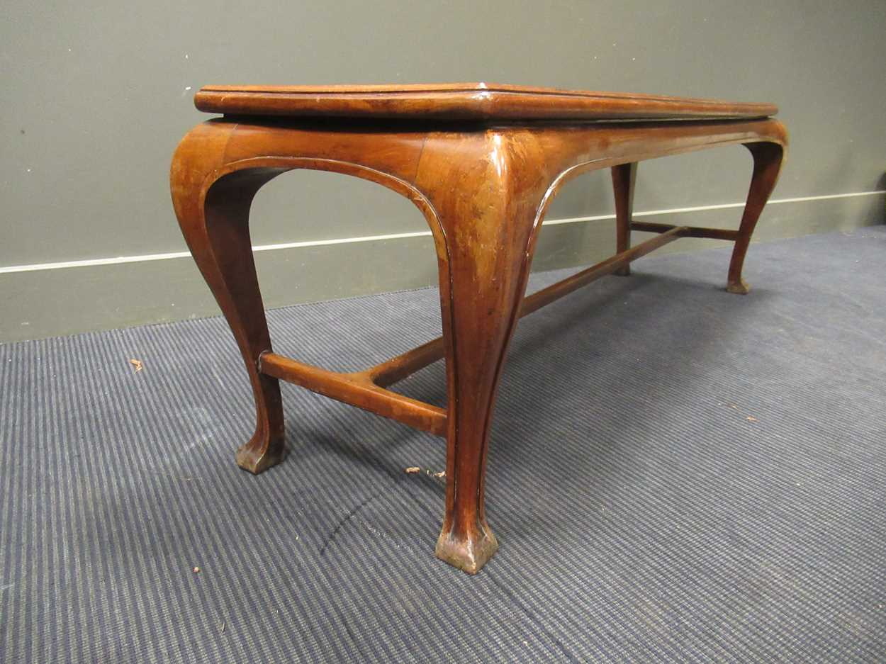 A Chinese style rectangular hall bench on four cabriole legs terminating in pointed pad feet 47 x - Image 4 of 4