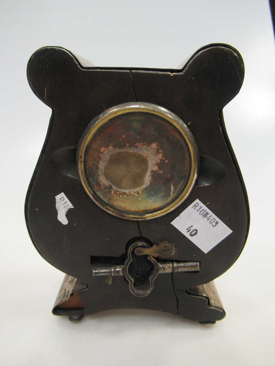 A silver lyre shaped mantle clock, 13cm high and a silver christening mug (2) - Image 4 of 6