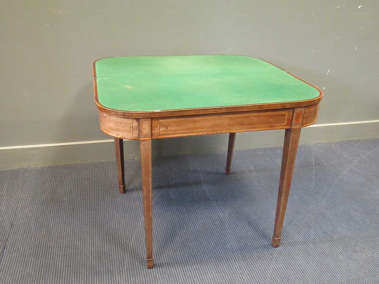 A George III inlaid mahogany card table on square tapered legs 72 x 92 x 45cm - Image 5 of 8