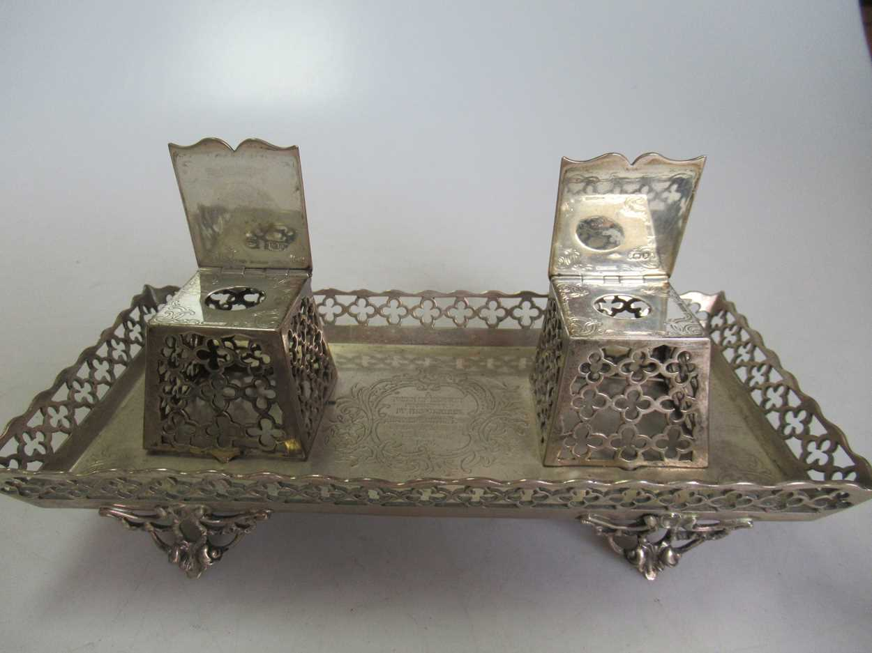 A Victorian silver inkstand, 10.7ozt - Image 4 of 6