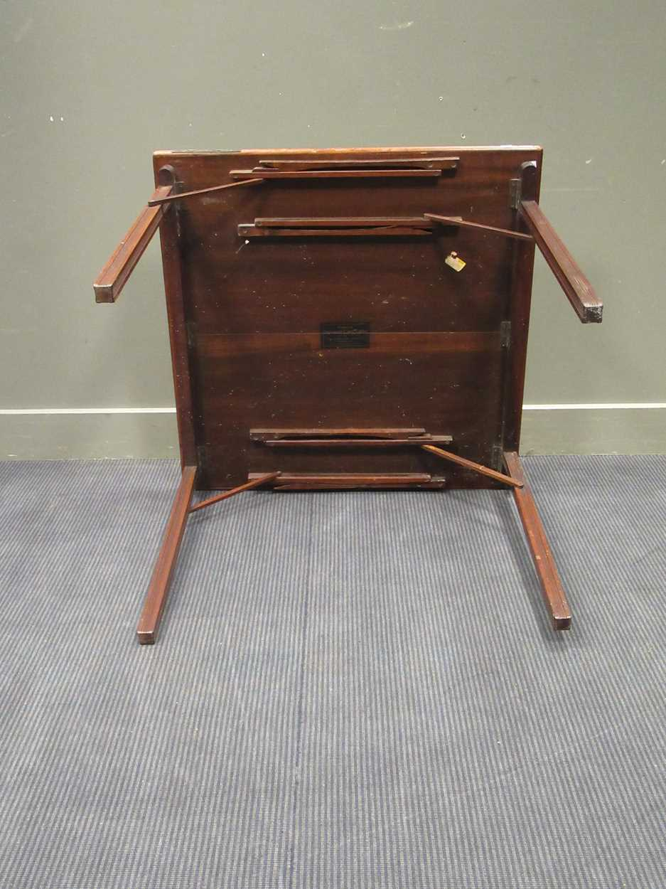 A Mudies squeezer card table with felt top and folding legs, top measures 86 x 86cm - Image 7 of 9