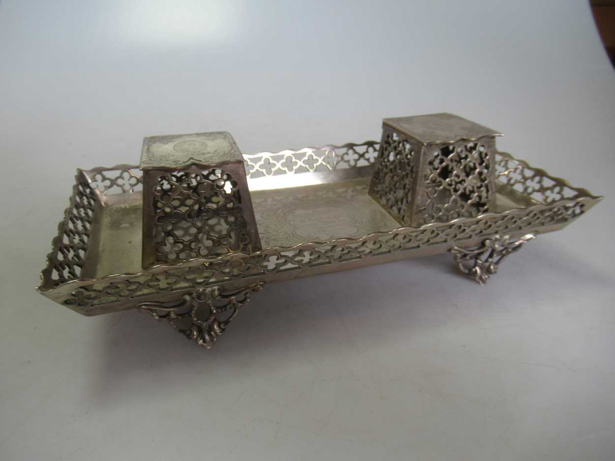 A Victorian silver inkstand, 10.7ozt - Image 2 of 6