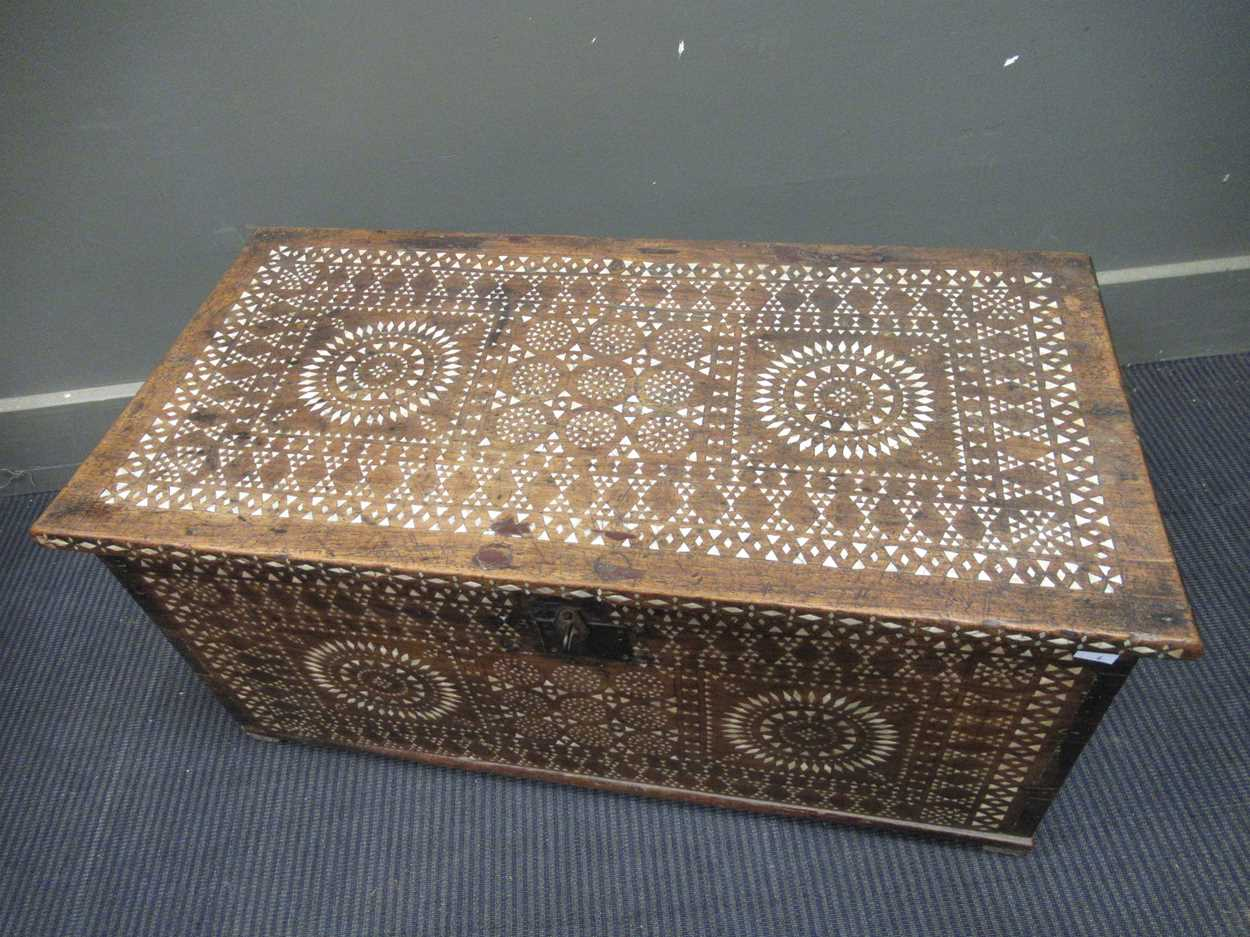 An Indian mother of pearl inlaid coffer 36 x 76 x 38cm - Image 6 of 7