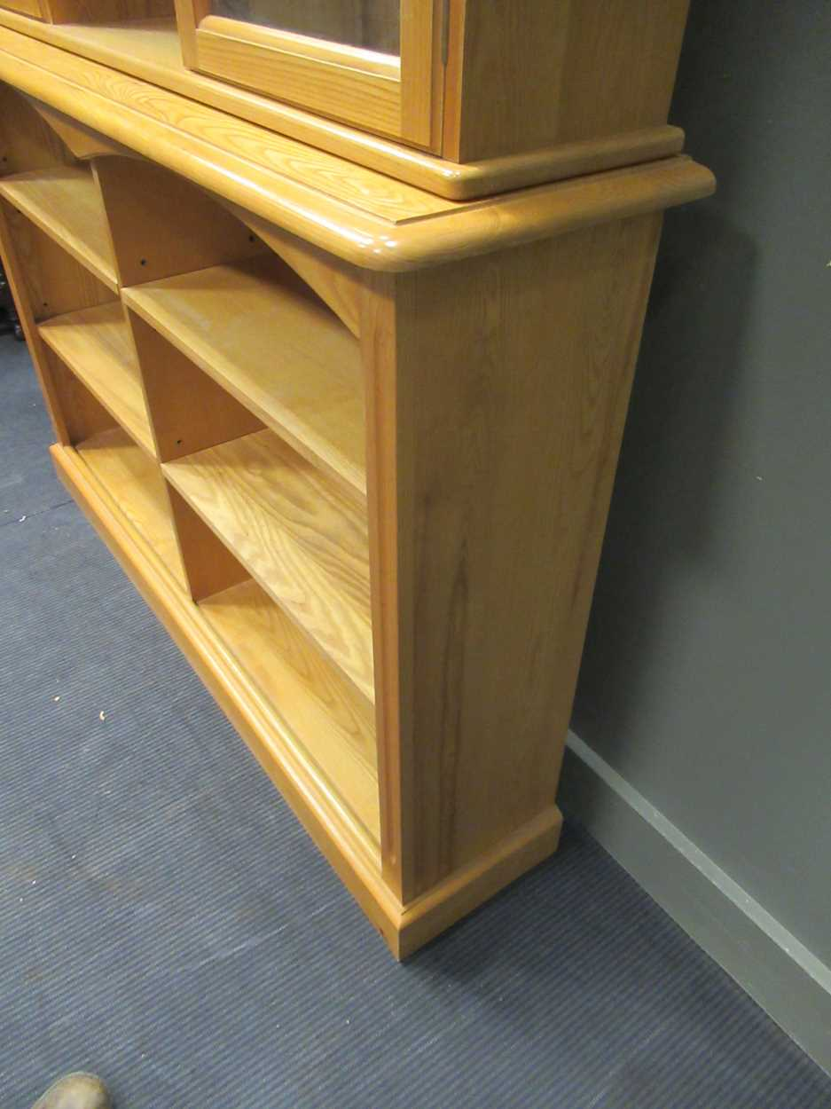 A modern pine dresser with adjustable shelves 227 x 151 x 33.5cm - Image 4 of 4