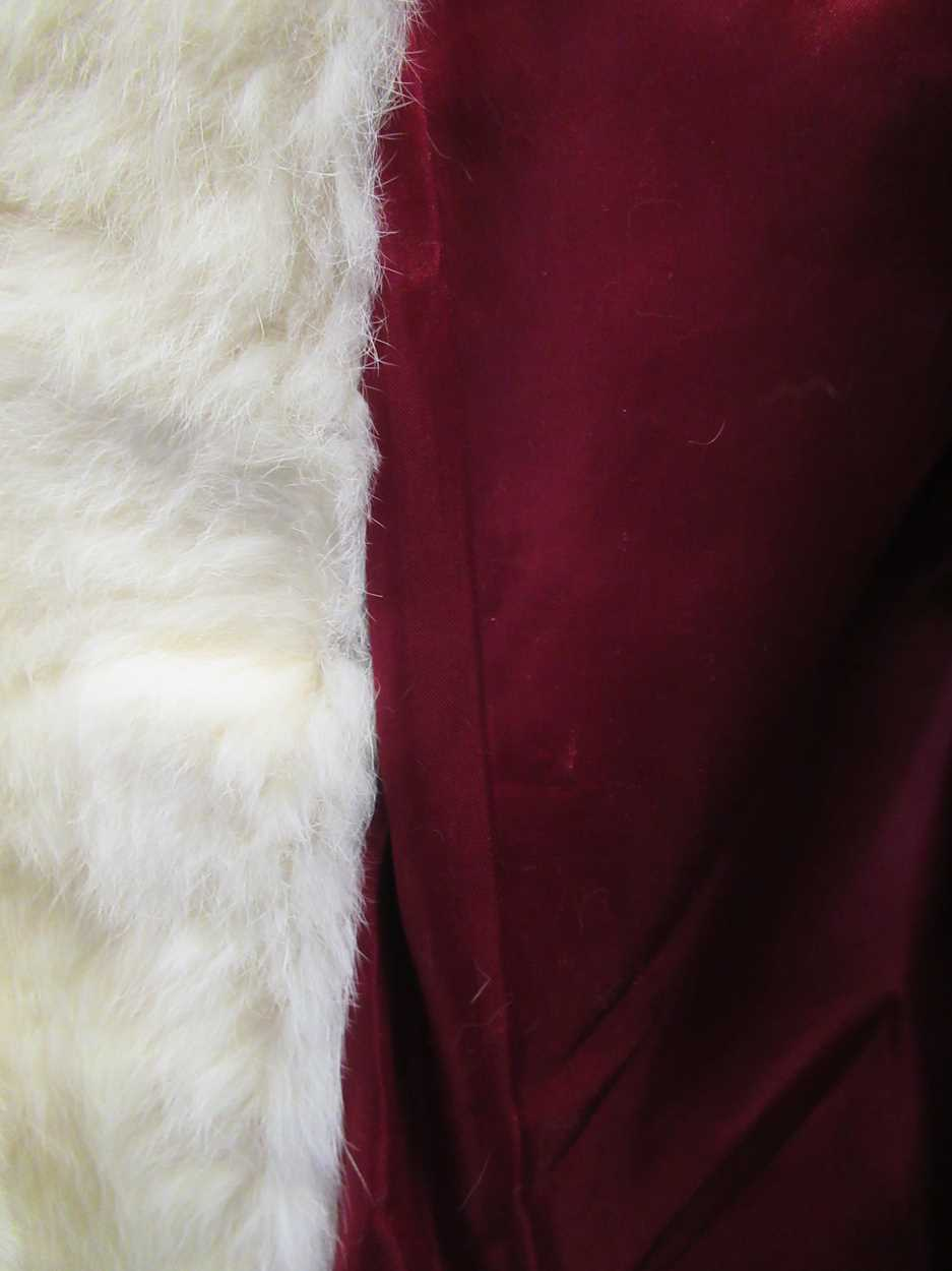 A mink three quarter length fur coat and another white knee length fur coat both size 12/14 - Image 8 of 8