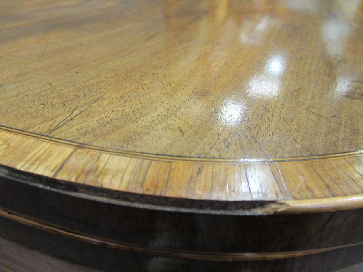 A George III inlaid mahogany card table on square tapered legs 72 x 92 x 45cm - Image 8 of 8