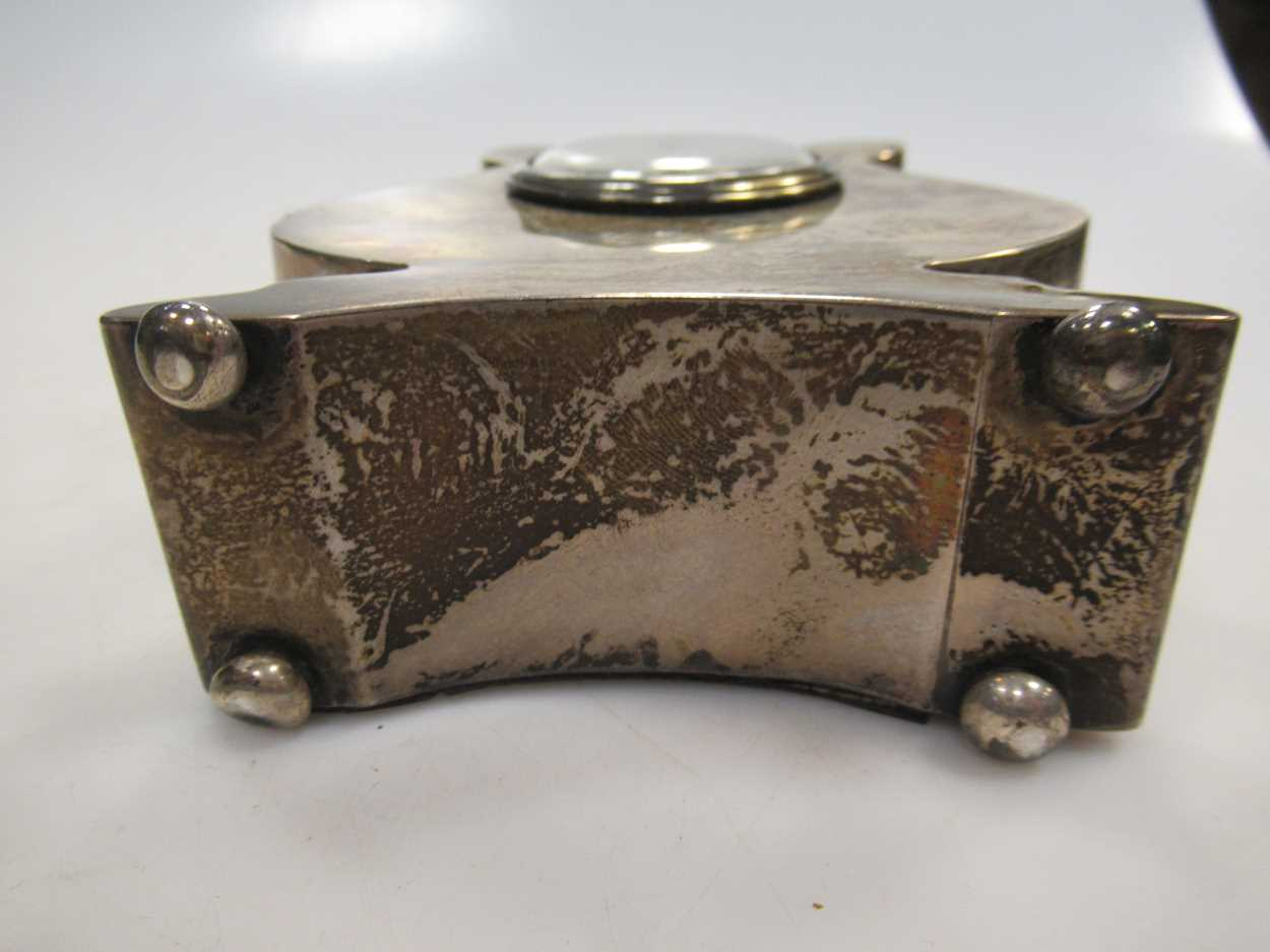 A silver lyre shaped mantle clock, 13cm high and a silver christening mug (2) - Image 3 of 6
