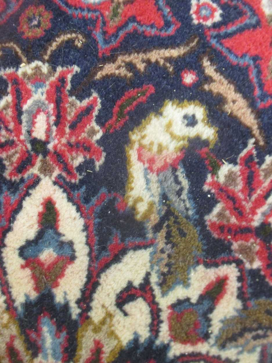 A Heriz type carpet with central medallion 337 x 250cmCondition report: Some fraying to the edges - Image 5 of 10
