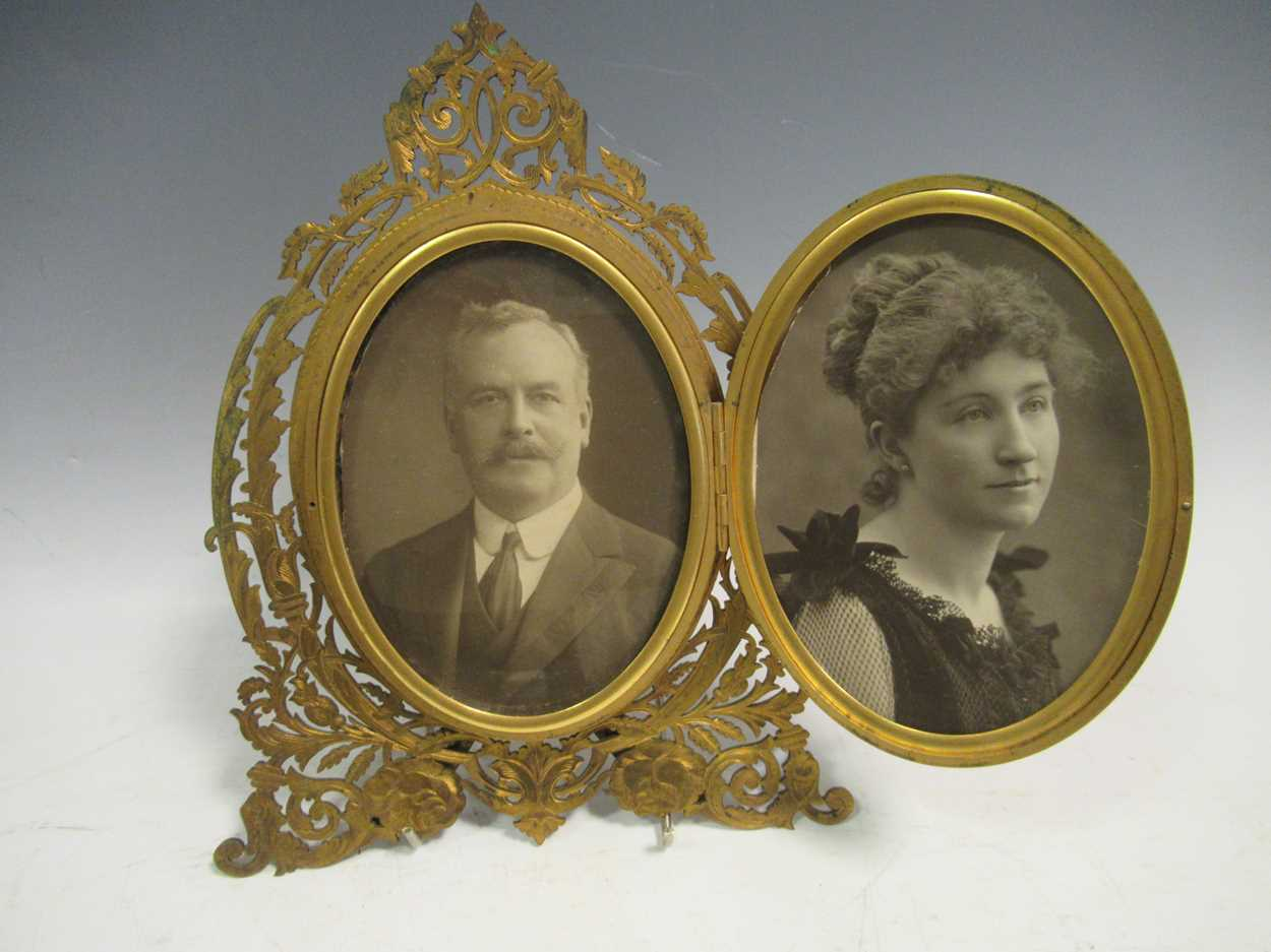 A gilt metal an onyx folding photograph frame, gilt metal mounted and glass vase, green glass - Image 7 of 17