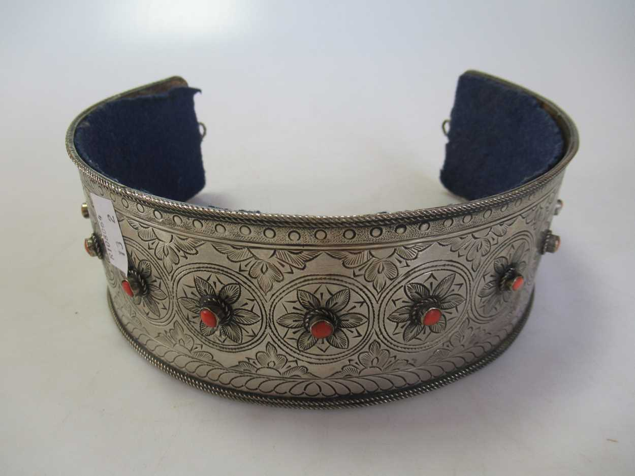 A coral set white metal collar and headdress (2)