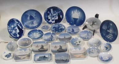 Various selection of Royal Copenhagen pates and dishware (qty)