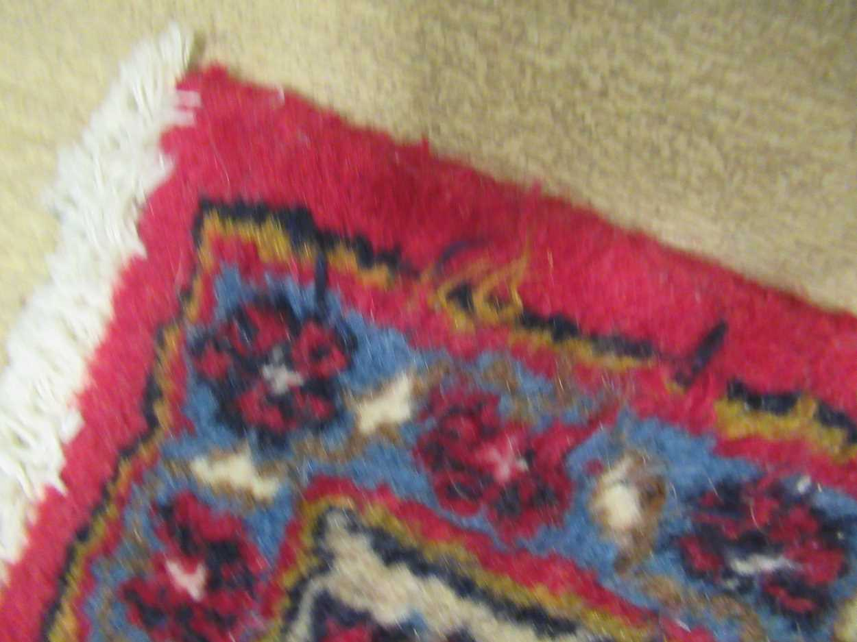 A Heriz type carpet with central medallion 337 x 250cmCondition report: Some fraying to the edges - Image 6 of 10