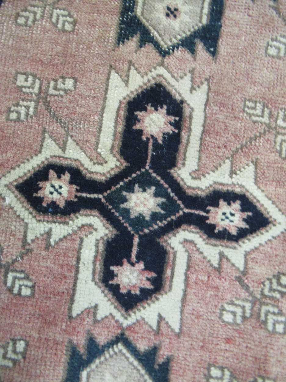 Turkish rug - Image 4 of 5