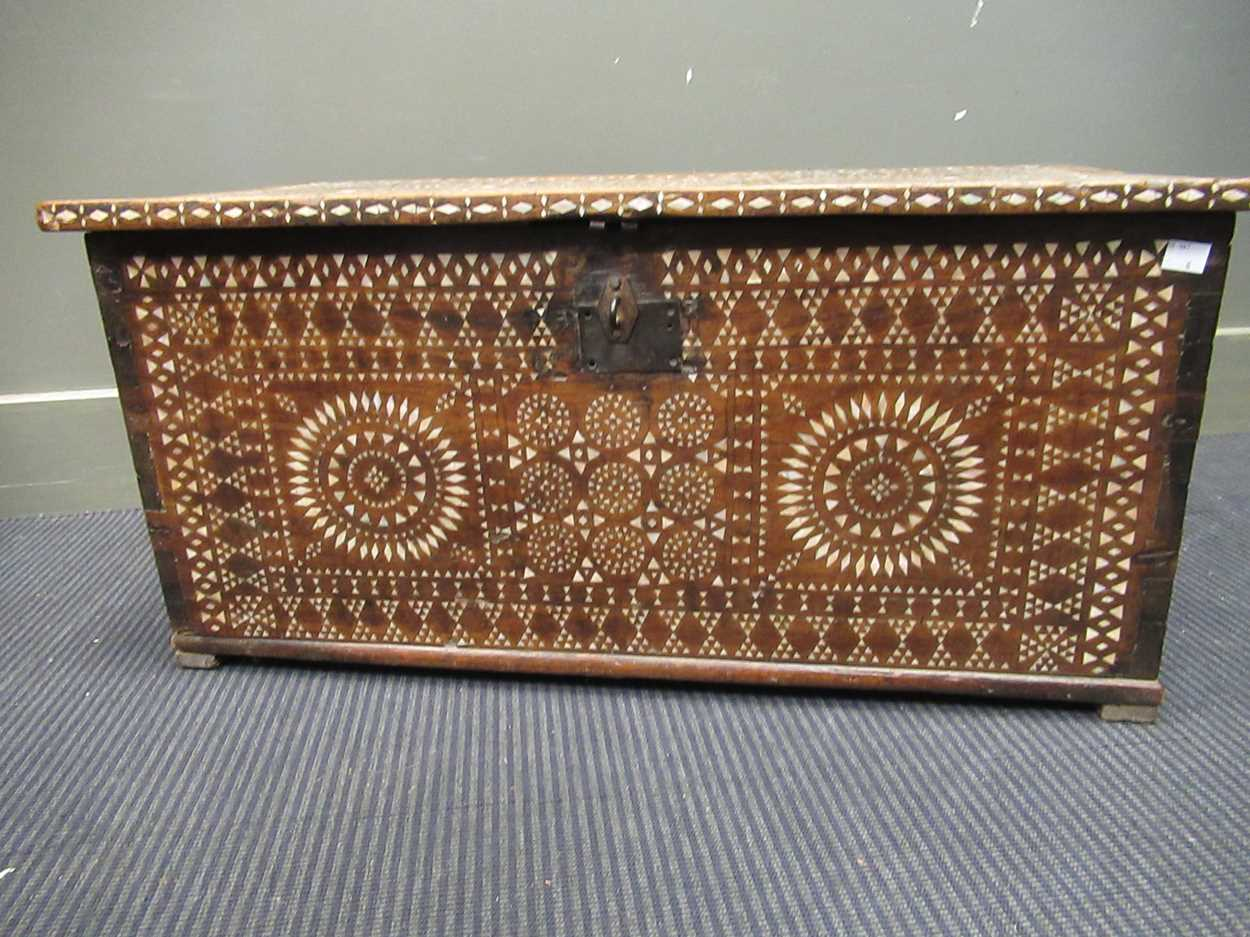 An Indian mother of pearl inlaid coffer 36 x 76 x 38cm - Image 5 of 7