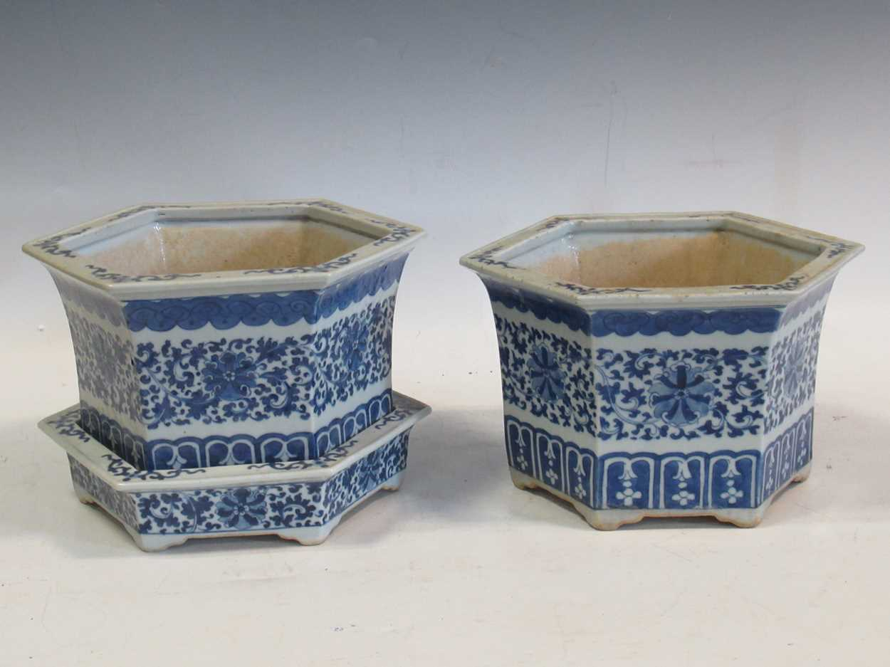 Two Chinese blue and white hexagonal jardinieres (one with a stand) 26cm wideCondition report: