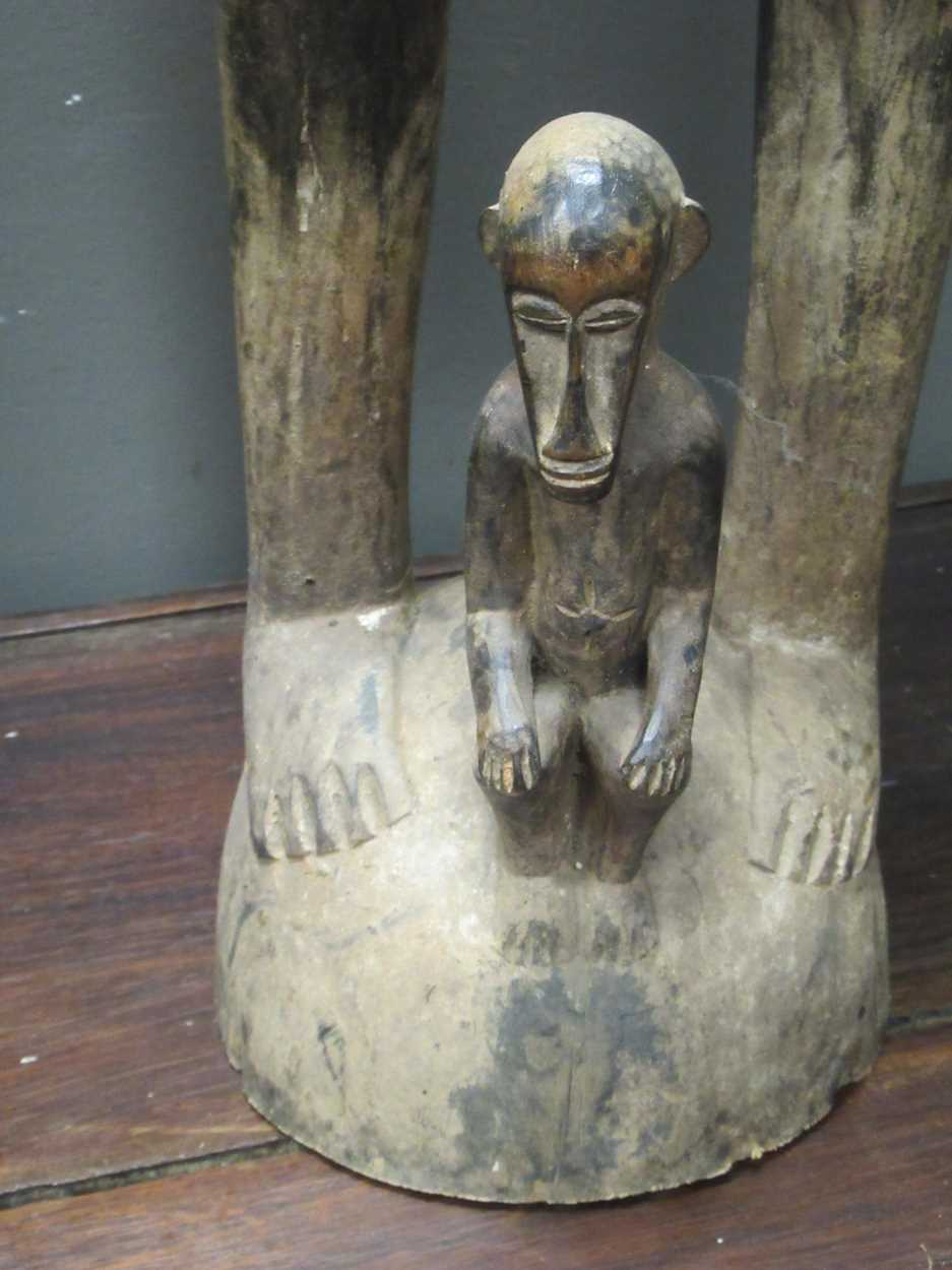 A pair of Senufo style rhythm pounders, comprising of a male (132cm high) and female (129cm high) - Image 6 of 8