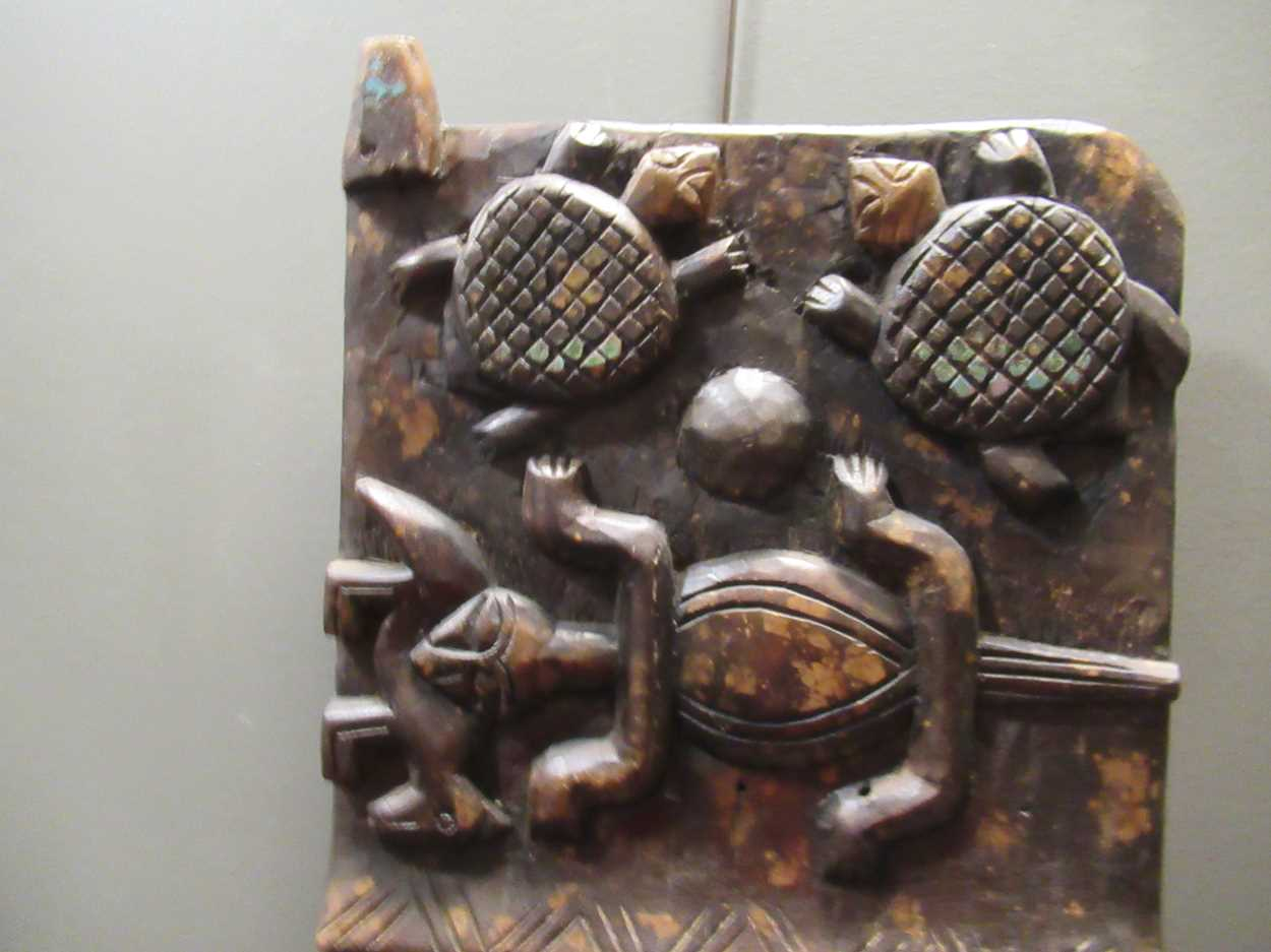 A Benin carved wood rectangular casket table 64 x 97 x 61cm together with a Benin carved wood - Image 10 of 10