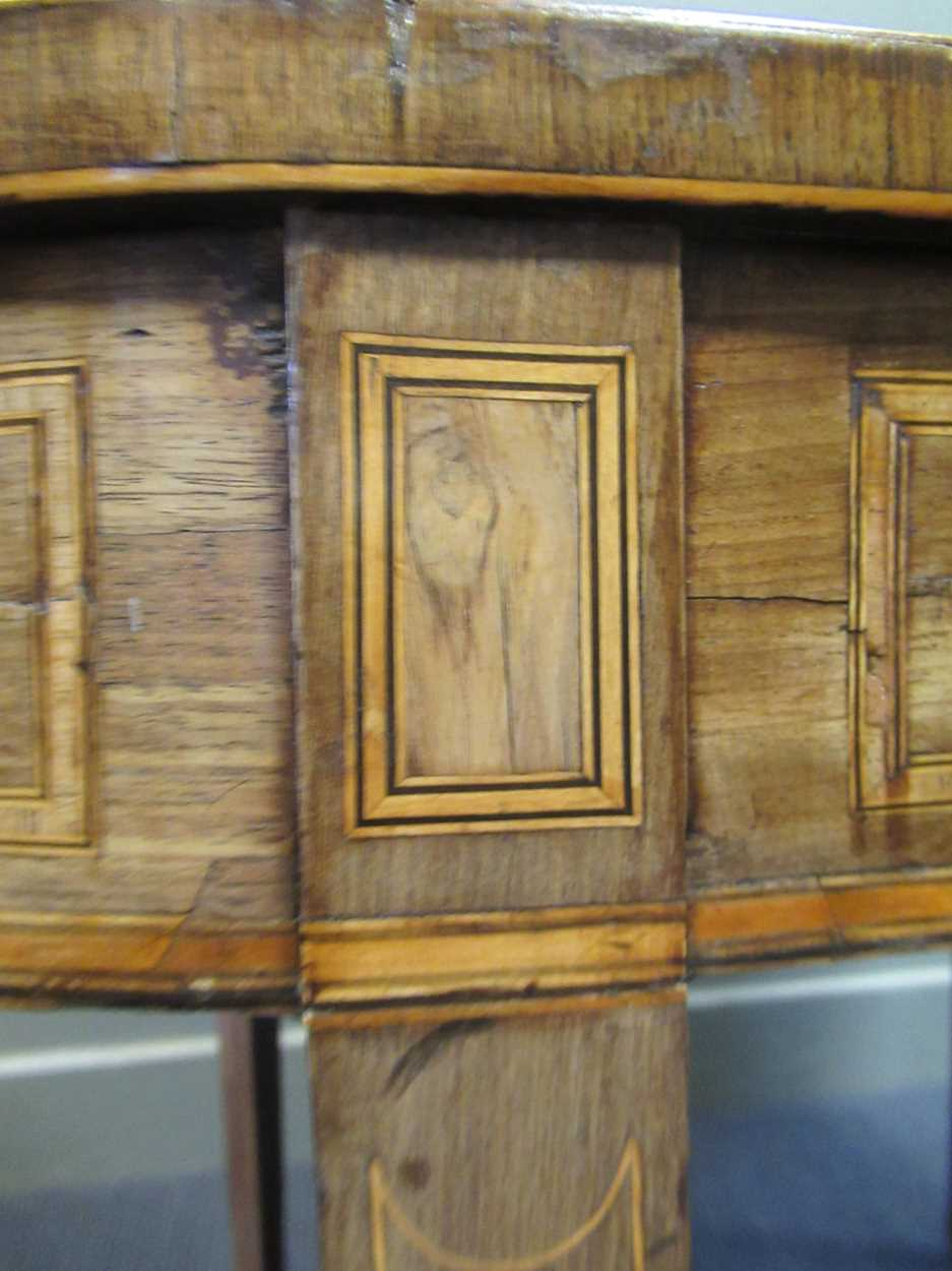 A George III inlaid mahogany card table on square tapered legs 72 x 92 x 45cm - Image 4 of 8