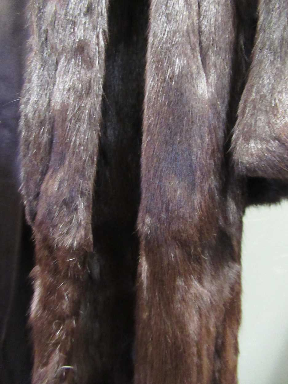 A mink three quarter length fur coat and another white knee length fur coat both size 12/14 - Image 2 of 8