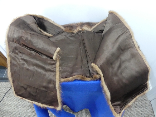 A vintage dyed mahogany brown Canadian squirrel fur Stole. - Image 2 of 4
