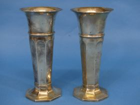 A pair of George V silver Vases, by Goldsmiths & Silversmiths Co Ltd., hallmarked London, 1911/1913,