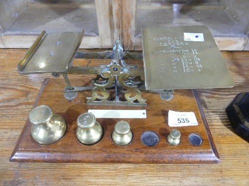 A Victorian set of brass Postal Scales, and weights (1oz and ¼oz missing) a set of vintage scales by - Image 2 of 3