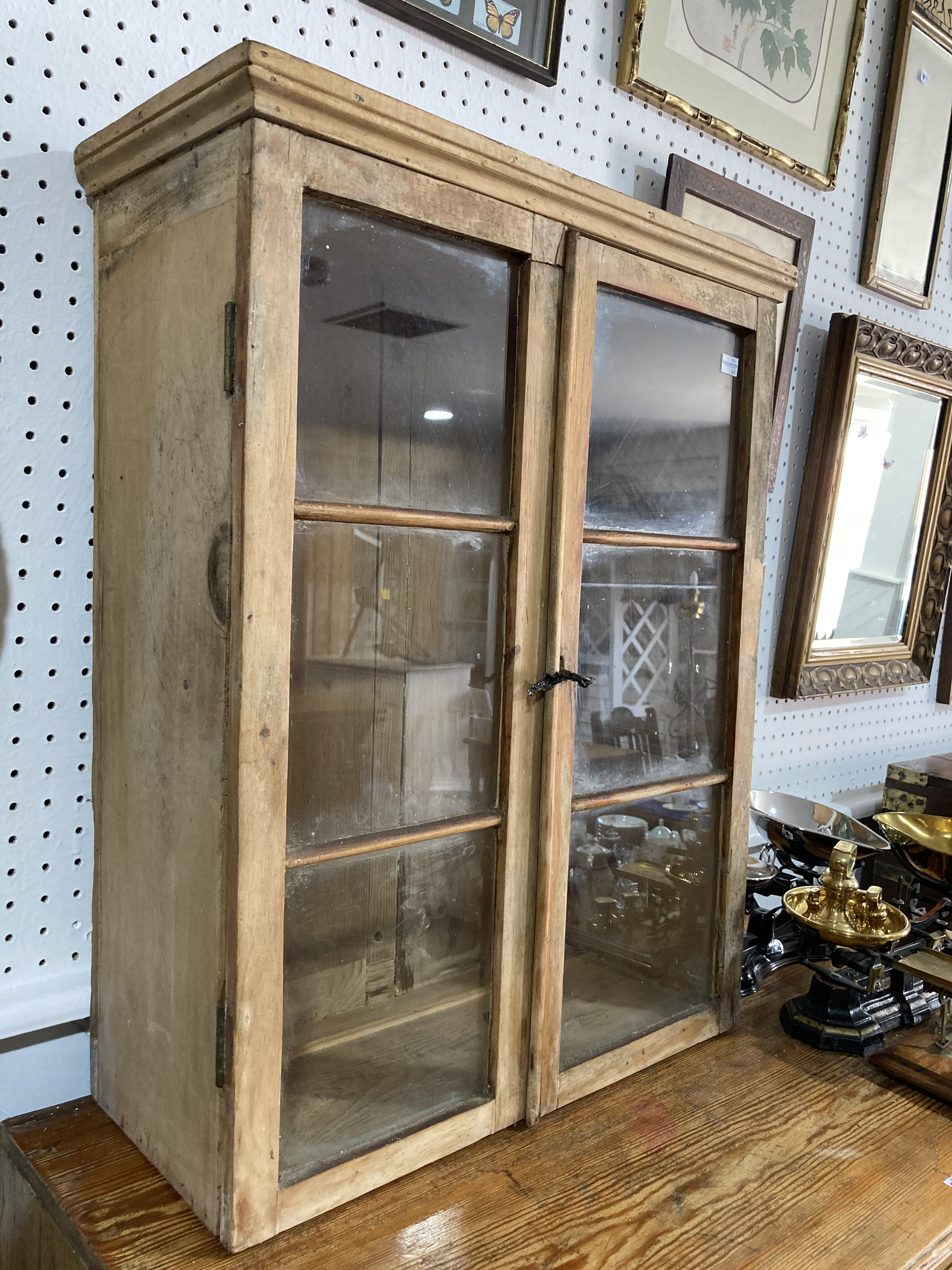An early 20thC glazed pine Cabinet, 21½in wide x 9in deep x 28in high (55cm x 23cm x 71cm) - Image 2 of 2