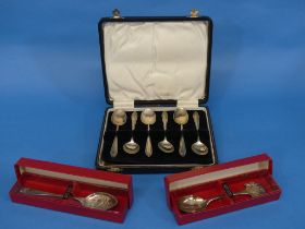 A cased set of six George V silver Teaspoons, hallmarked Birmingham, 1932, in fitted presentation