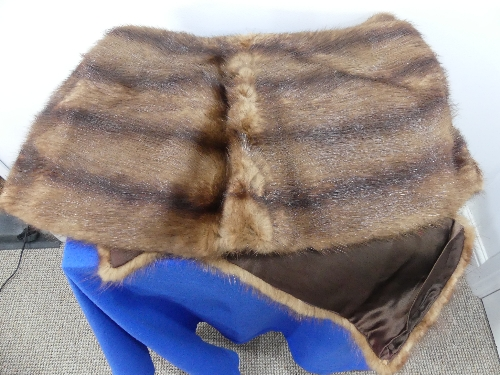 A vintage dyed mahogany brown Canadian squirrel fur Stole. - Image 3 of 4