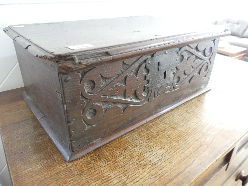 An 18thC carved oak Bible Box, the front carved heavily with foliate designs, enclosing metal - Image 2 of 9