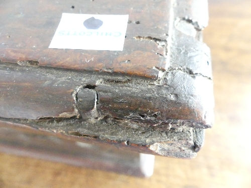An 18thC carved oak Bible Box, the front carved heavily with foliate designs, enclosing metal - Image 8 of 9
