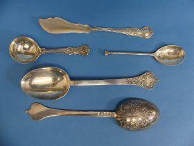 A pair of Edwardian Silver Table Spoons, by Thomas Bradbury & Sons, hallmarked London, 1901/1902,