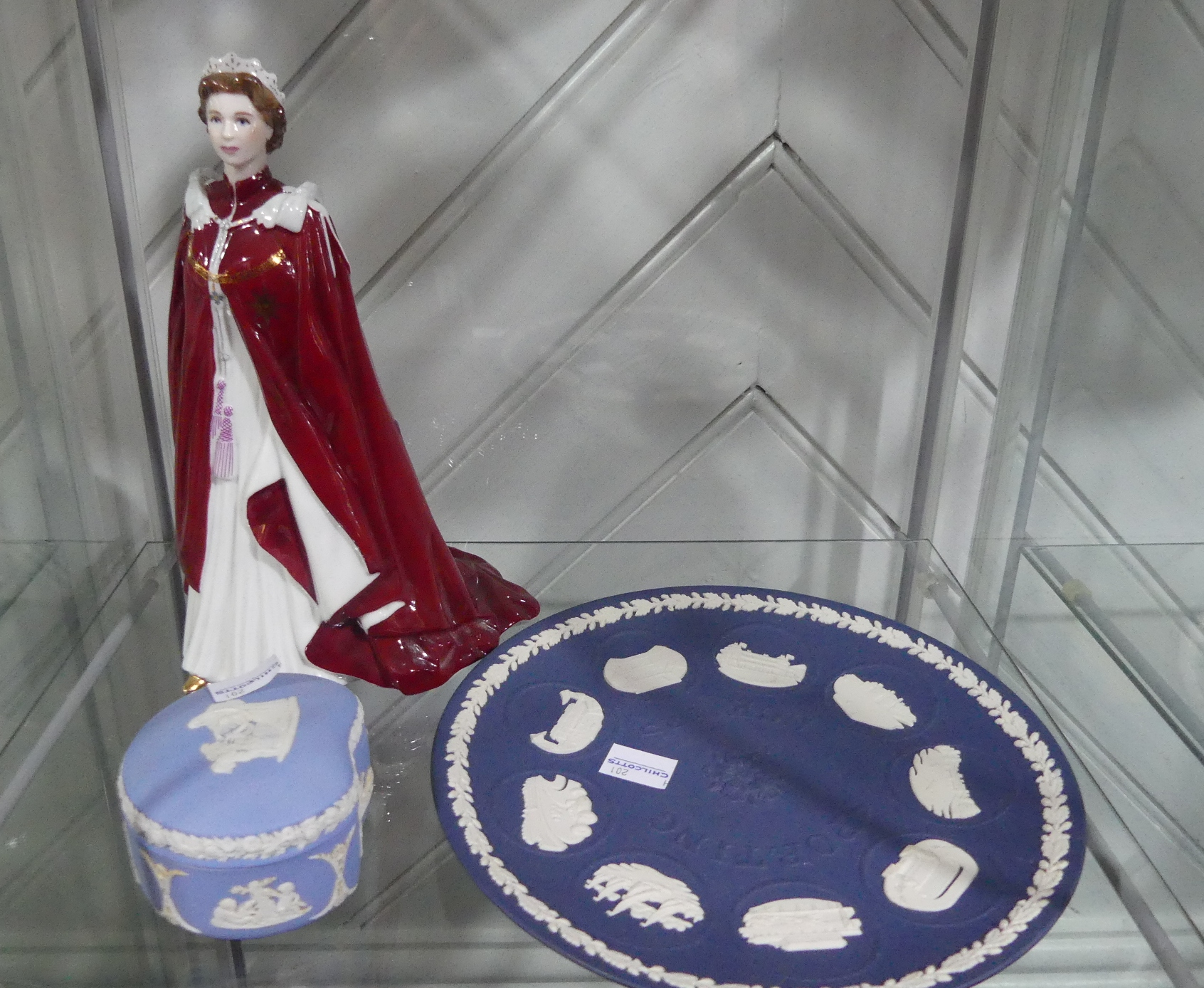 A small quantity of Wedgwood Jasperware, including the Limited Edition 'Sporting Scenes' plate in