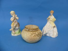 A Royal China Works Worcester 'Blush Ivory' Pot Pourri pot,with cover and lid, lid repaired,