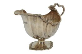 A VICTORIAN STERLING SILVER SAUCEBOAT, LONDON 1898 CHARLES STUART HARRIS