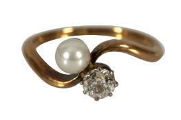 A PEARL AND DIAMOND RING, FIRST HALF OF THE 20TH CENTURY