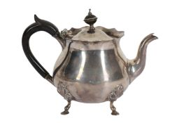 A VICTORIAN STERLING SILVER BACHELOR TEAPOT, LONDON 1897, SIBRAY, HALL & CO