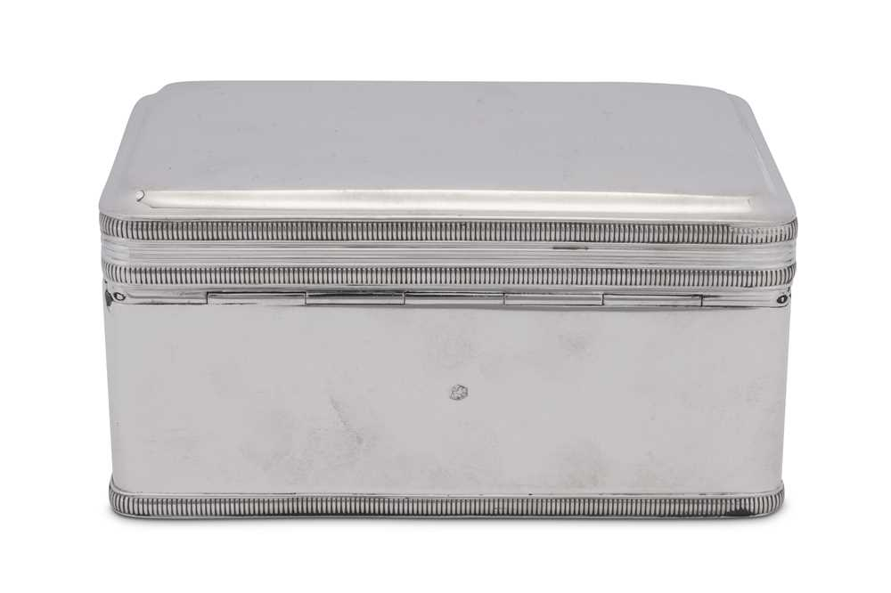 A mid-19th century Dutch 833 standard silver biscuit box, Amsterdam 1852 by Andries Roelofs (active - Image 2 of 3