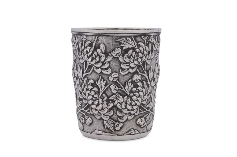 An early 20th century Chinese Export silver beaker, Shanghai circa 1900 retailed by Tuck Chang - Image 2 of 3