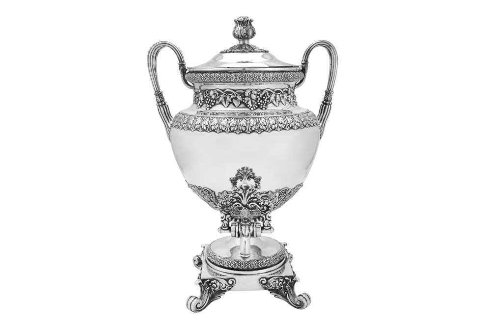 A fine George IV Old Sheffield Silver Plate 'six quart' tea urn, Sheffield circa 1820 by Kirkby, Wat - Image 2 of 8