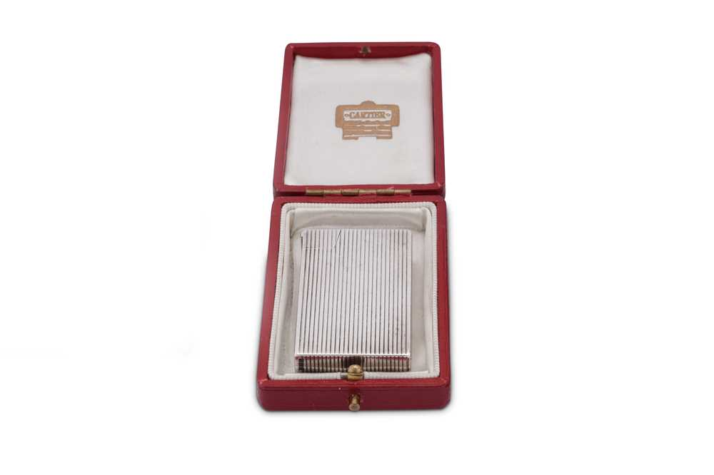A George VI sterling silver lighter, Birmingham 1950 by Bach & Cooper - Image 3 of 4