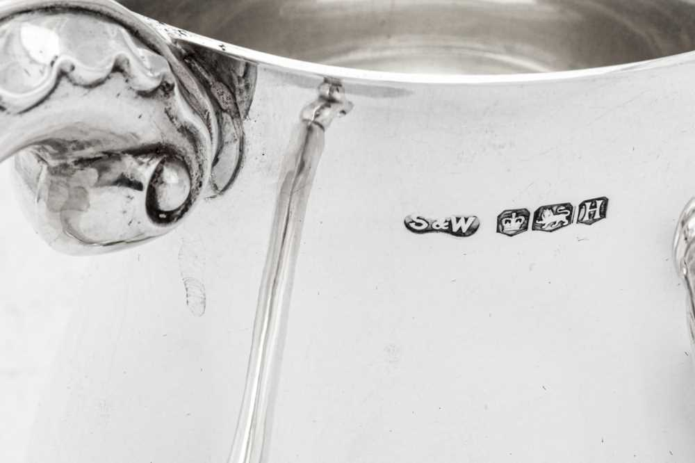 A pair of George VI sterling silver pint mugs, Sheffield 1950 by Stower & Wragg Ltd - Image 3 of 4