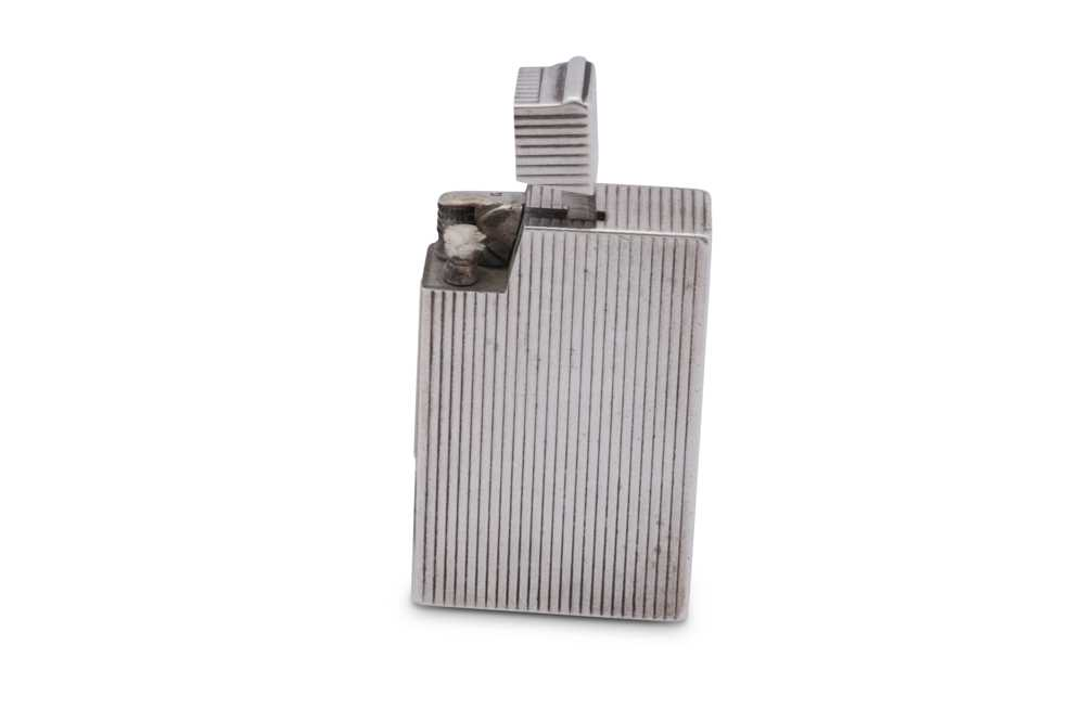 A George VI sterling silver lighter, Birmingham 1950 by Bach & Cooper - Image 2 of 4
