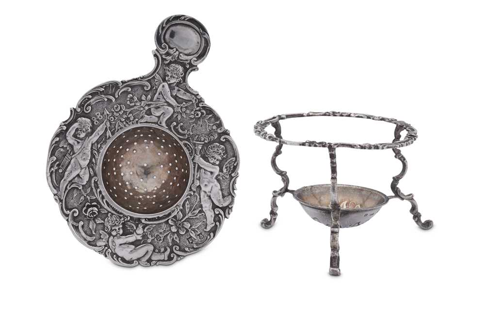 A late 19th century German cast 800 standard silver tea strainer on stand, Hanau circa 1890 by J.D. - Image 3 of 4