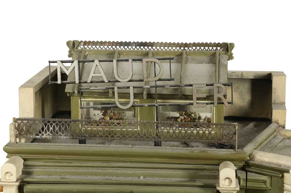MODELS: A SCRATCH BUILT MODEL OF A FLORIST'S SHOP, 20TH CENTURY - Image 3 of 6