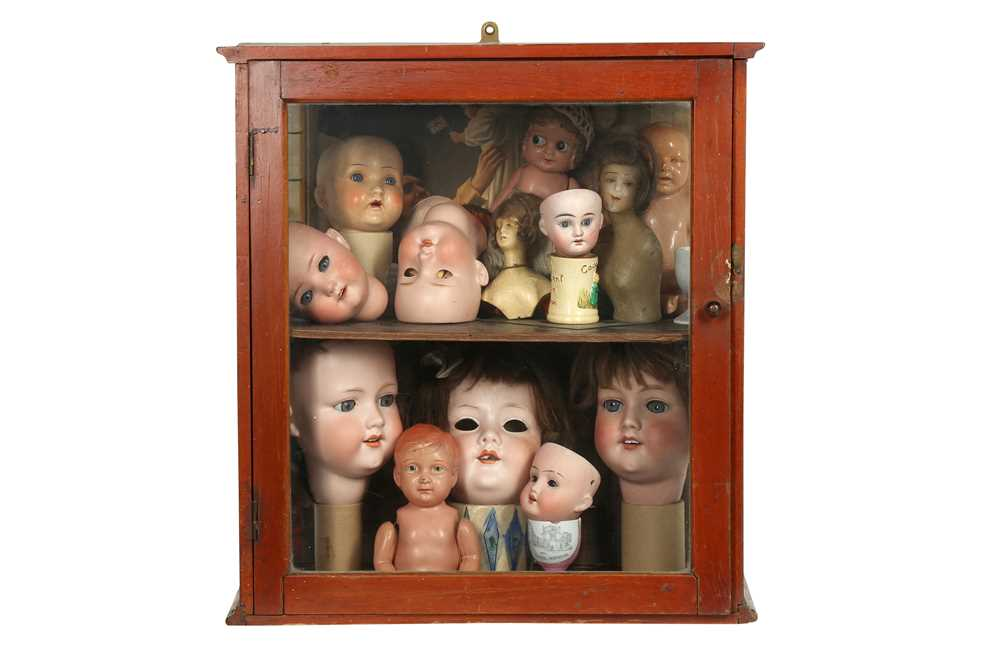 DOLLS: AN ARMAND MARSEILLE 390 BISQUE DOLL HEAD, EARLY 20TH CENTURY