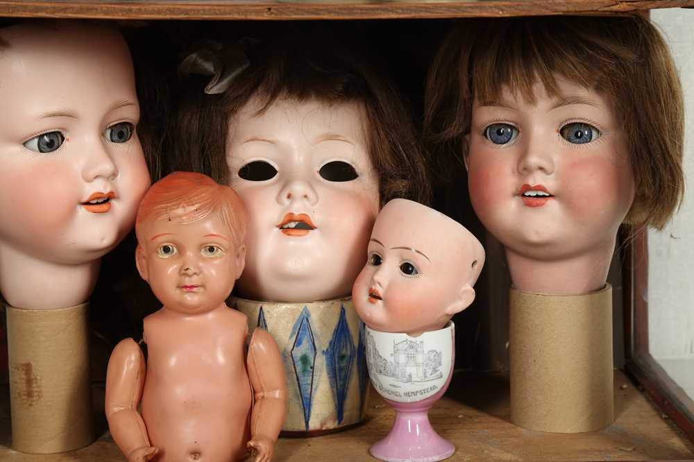 DOLLS: AN ARMAND MARSEILLE 390 BISQUE DOLL HEAD, EARLY 20TH CENTURY - Image 9 of 15